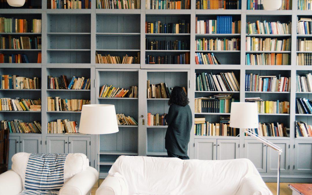 Jak przewozić książki, płyty i filmy? Przeprowadzka z domową biblioteczką