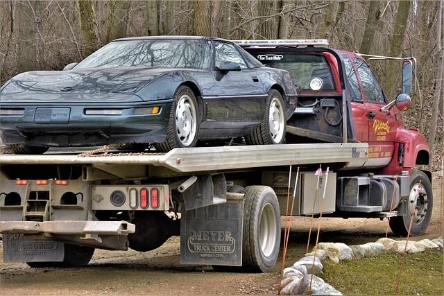 Jak zorganizować transport samochodów osobowych? Przydatne wskazówki, które ułatwią ten proces
