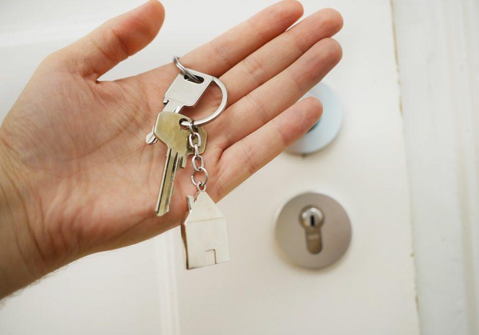 Jak poradzić sobie z nadmiarem wyposażenia podczas przeprowadzki do nowego domu?