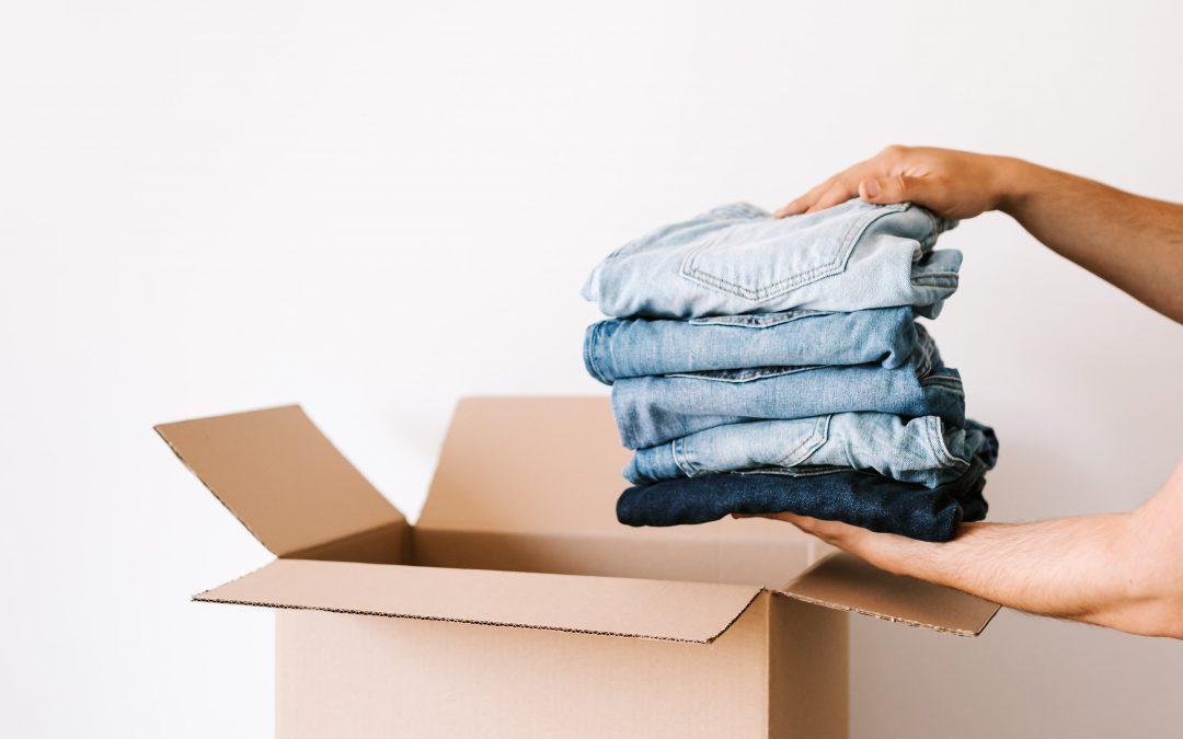5 sposobów na szybkie spakowanie ubrań przed przeprowadzką